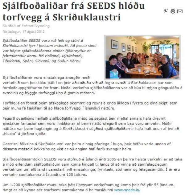Austurglugginn.is: Sjálfboðaliðar frá SEEDS hlóðu torfvegg á Skriðuklaustri