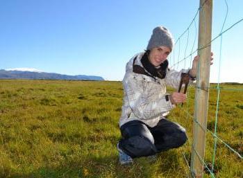 Volunteering at the feet of Eyjafjallajökull (2:2)