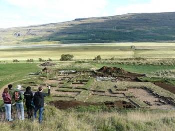 Skriðuklaustur - making history (4:4)